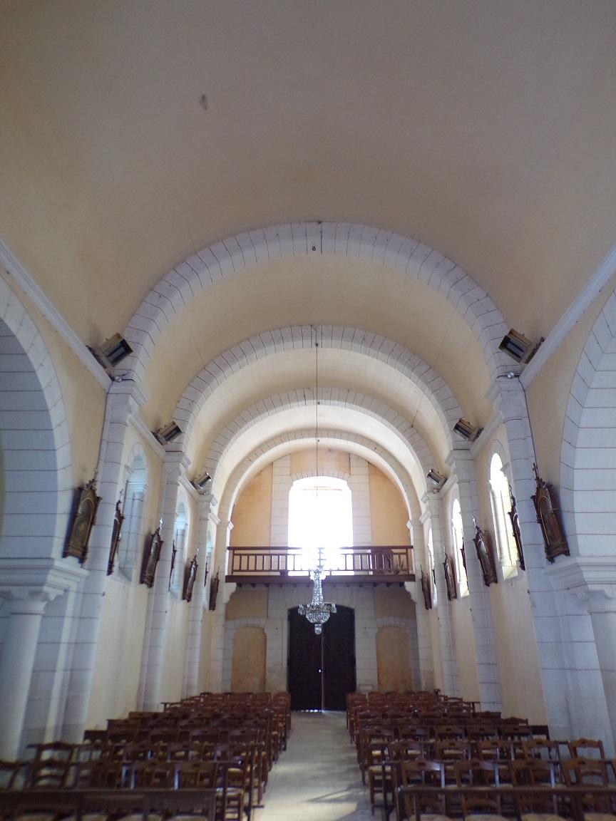 Sainte-Sévère - L'église Sainte Sévère - Vue de l'autel (23 juillet 2018)