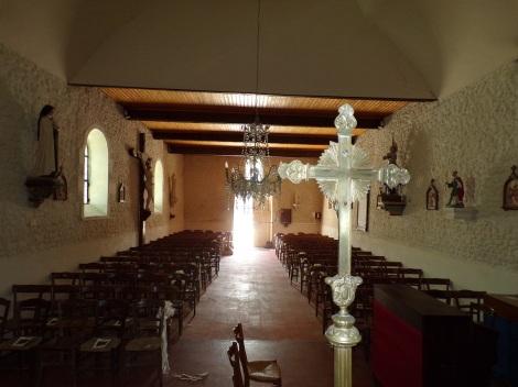 Salignac-sur-Charente - L'église Saint-Louis - Vue de l'autel (27 juin 2018)