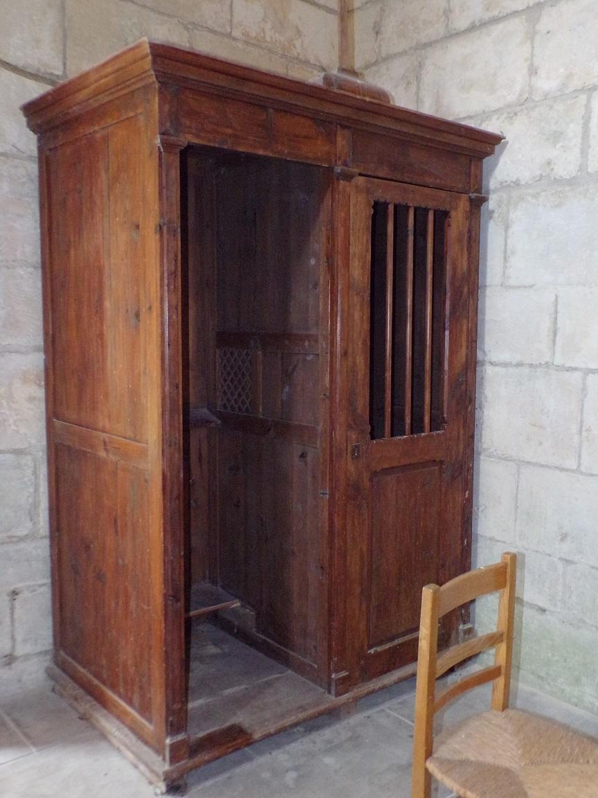 Salles d'Angles - La Chapelle des Templiers - Le confessionnal (30 juin 2020)