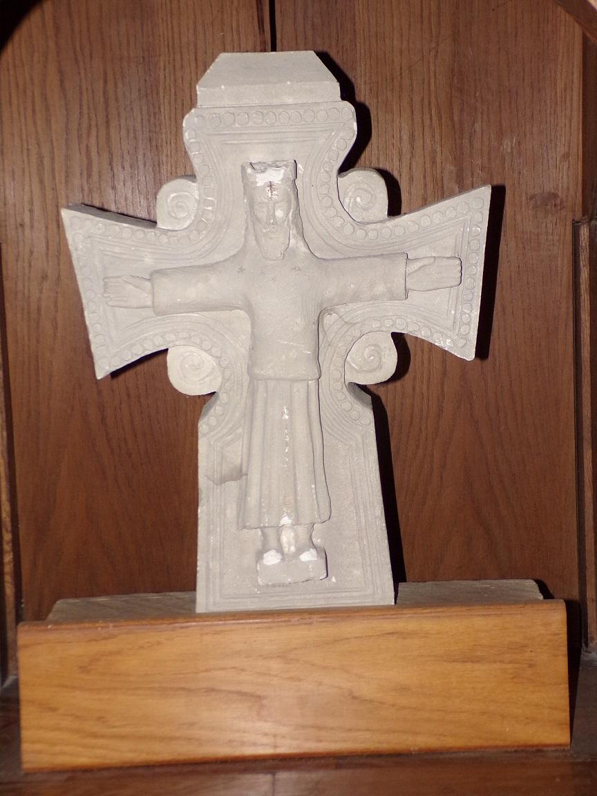 Segonzac - L'église Saint-Pierre - Crucifix devant l'autel (11 juillet 2018)