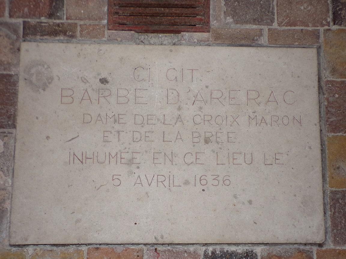 Segonzac - L'église Saint-Pierre - La plaque 'Barbe d'Arerac' (11 juillet 2018)
