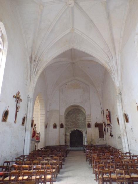 Verrières - L'église Saint-Palais - Vue de l'autel (7 mai 2018)