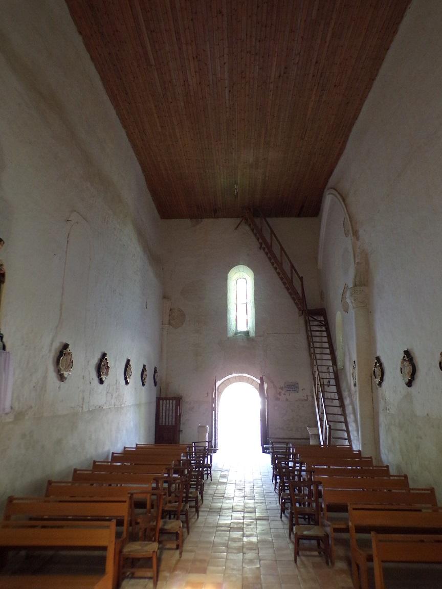 Cierzac - L'église Notre-Dame - Vue de l'autel (18 juillet 2018)