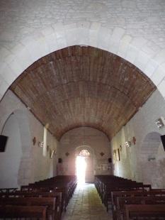 Coulonges - L'église Saint-Saturnin - Vue de l'autel (24 août 2019)