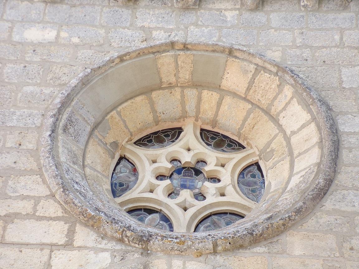 Angeac-Charente - L'église Saint-Pierre - La rosace (18 août 2016)