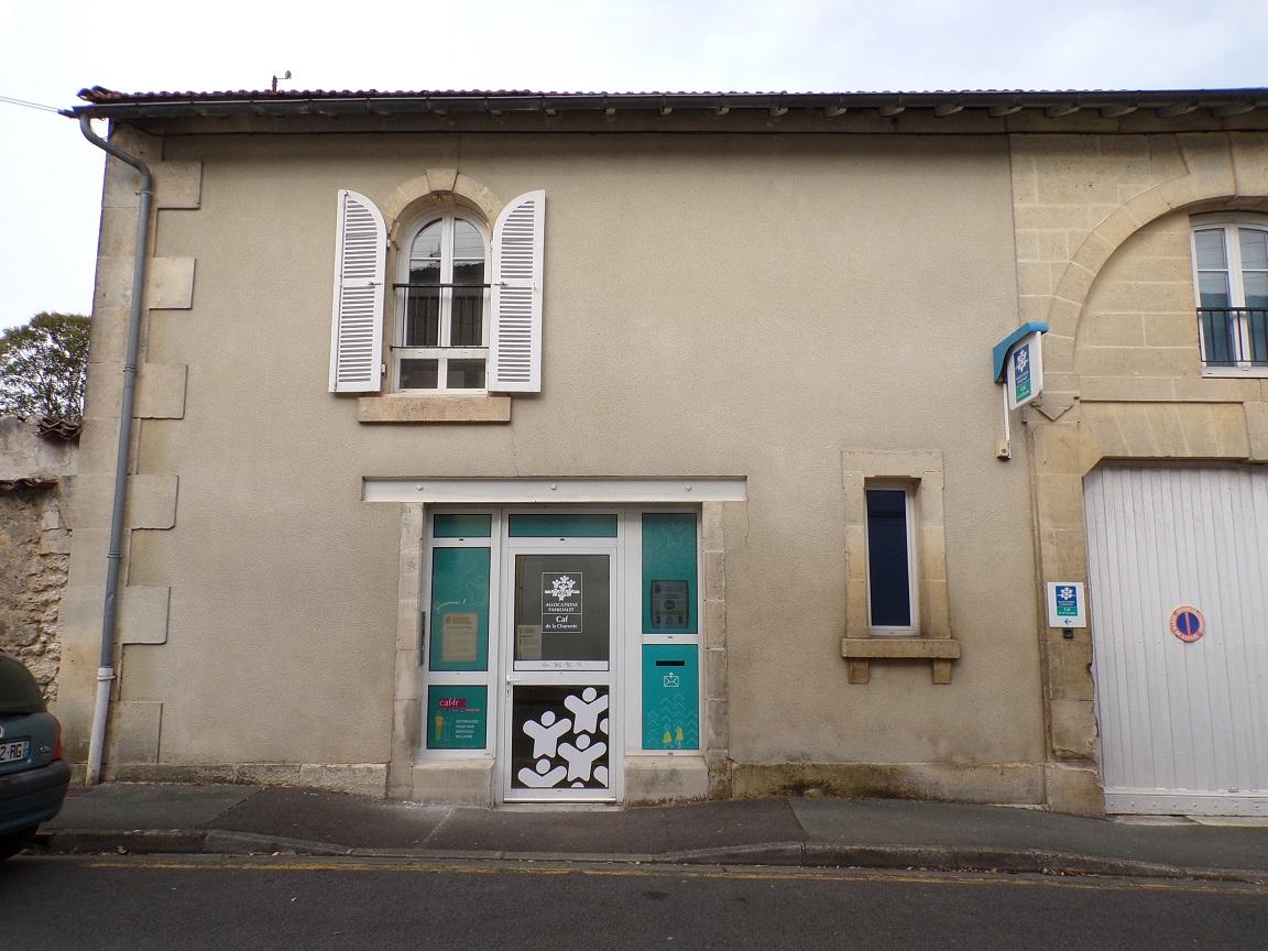 Cognac - Rue de la Poudrière - La CAF (2 mars 2021)