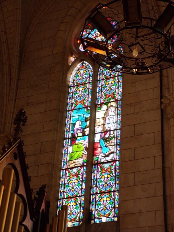 Église Saint-Martin, du Sacré-Coeur - Le vitrail 'Merci à Notre-Dame de Lourdes - Janvier 1926 C.C.P.' (2 janvier 2019)