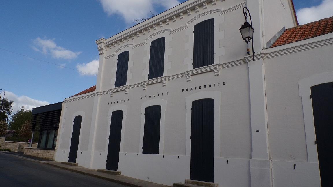 Macqueville - La mairie (27 avril 2018)