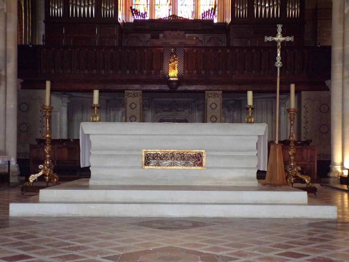 rue Aristide Briand - L'église Saint-Léger - L'autel (25 février 2021)