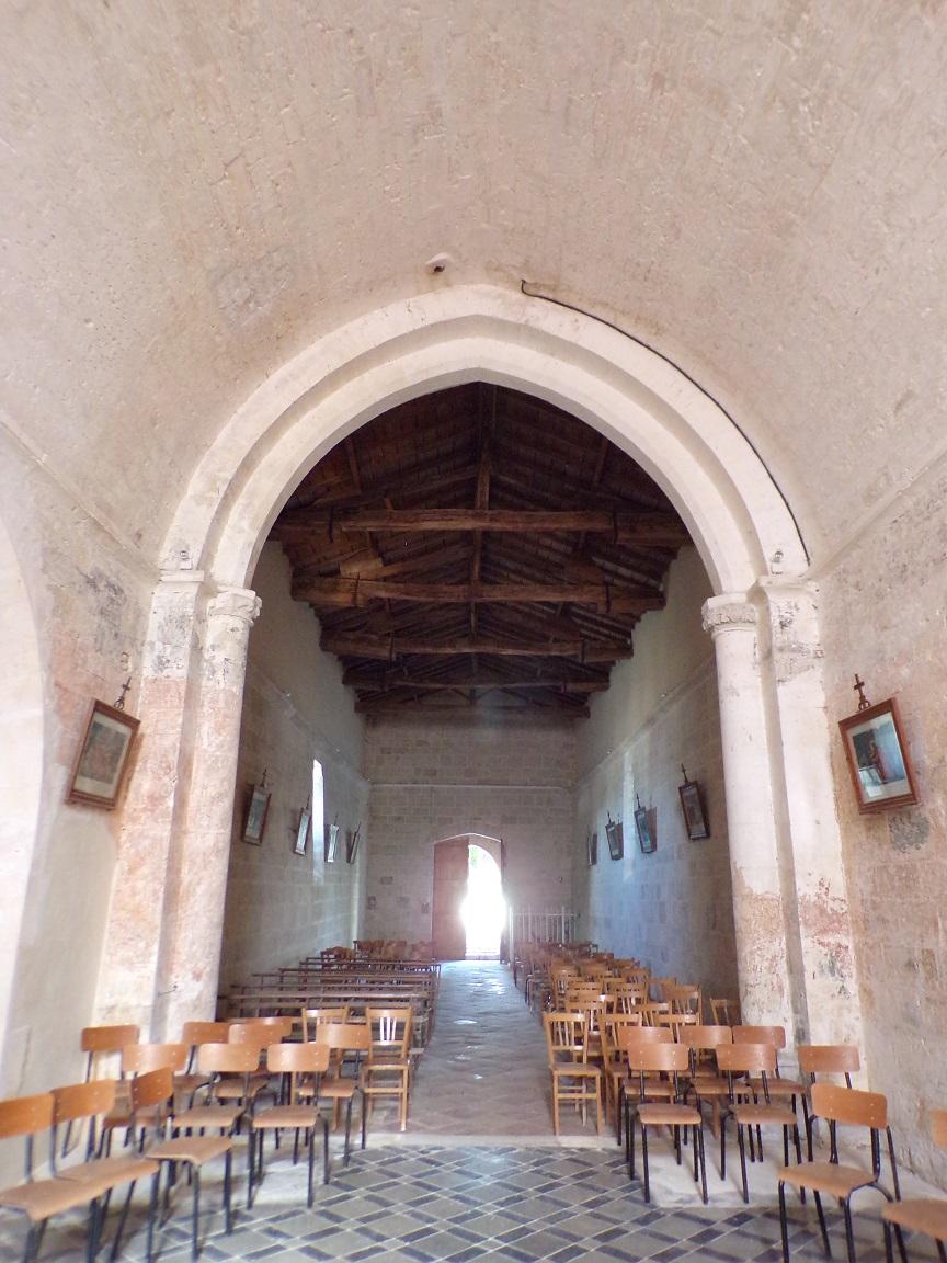 Ballans - L'église Saint-Jacques - Vue de l'autel (20 août 2018)