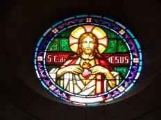 Eglise Saint Antoine – Le vitrail 'Sacré Coeur de Jésus' (19 mars 2021)