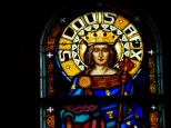 Eglise Saint Antoine – Le vitrail 'St Louis roi' (19 mars 2021)