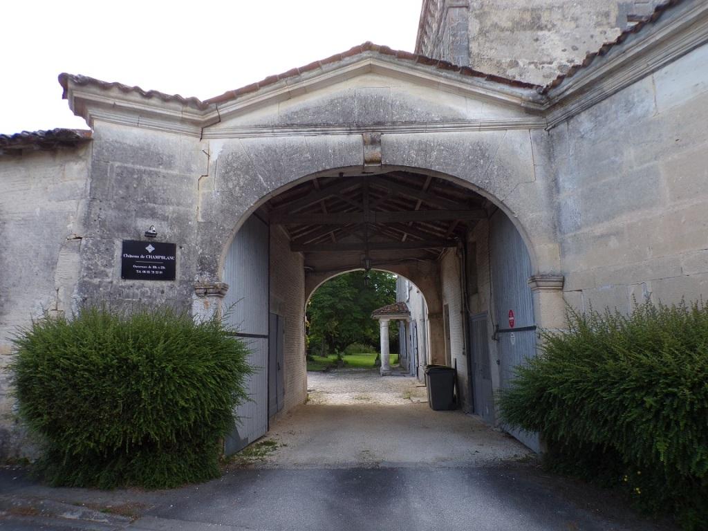 Cherves-Richemont - Château de Champblanc (30 mai 2021)