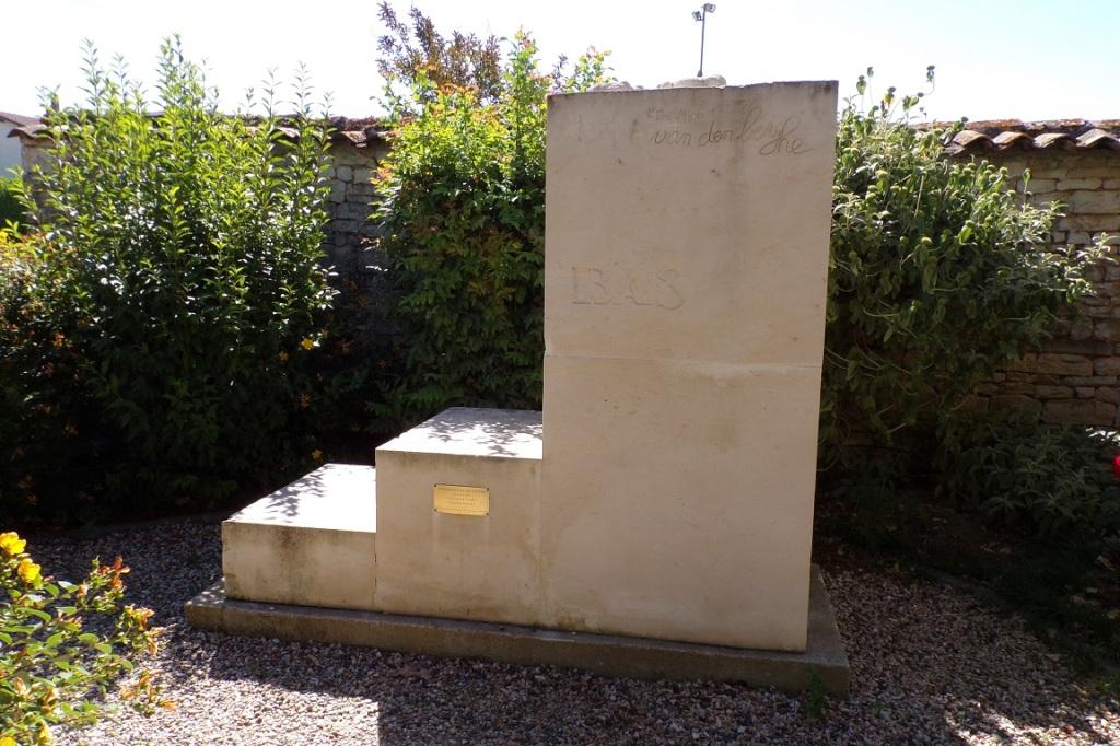 Symposium International de Sculpture sur marbre de Julienne - Elévation (17 juin 2017)