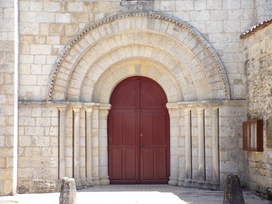 L'église Saint-Vivien - La porte (18 juillet 2021)