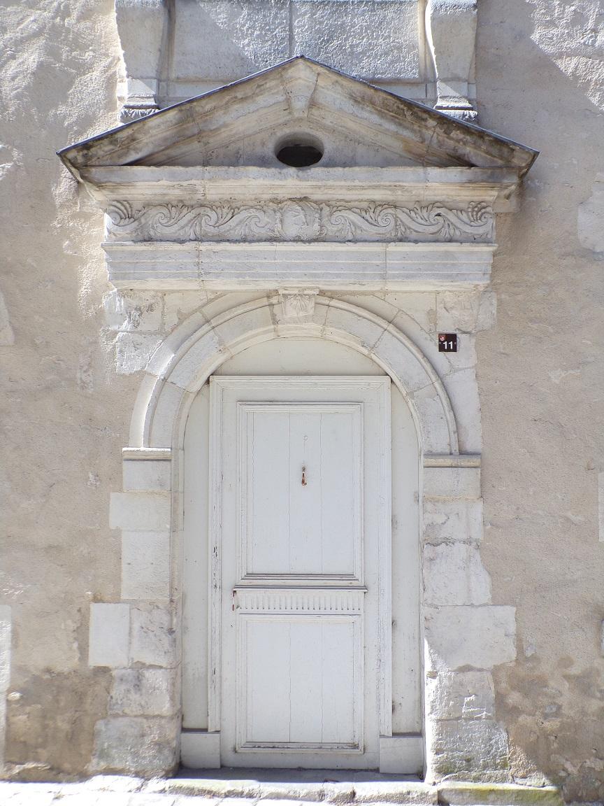 L'Hôtel Perrin de Boussac - La porte d'entrée (15 juin 2021)